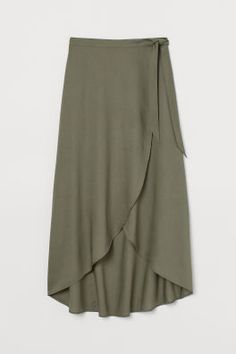 Gonna a portafoglio in viscosa - Verde kaki - DONNA Midi Skirt Outfit, Skirt Outfits, Dress Skirt, Work Fashion, Fashion Outfits, Women's Fashion, Sewing Alterations, Calf Length Skirts, Viscose Fabric