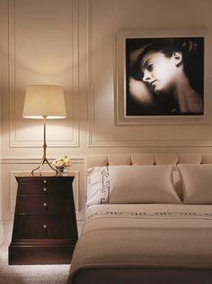 Картинки по запросу молдинг в спальне