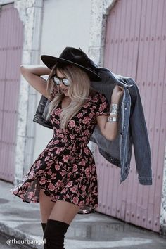 Glamor type look rock bohemian type gown rock concept day outfit floral gown Rock Outfits, Grunge Outfits, Spring Outfits, Winter Outfits, Casual Outfits, Cute Outfits, Dress Winter, Christmas Outfits, Dress Summer