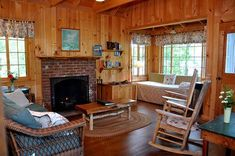 The Knotty Pine Problem: 3 Alternatives to Painting It All - Home Glow Design Knotty Pine Living Room, Knotty Pine Rooms, Knotty Pine Decor, Knotty Pine Kitchen, Knotty Pine Paneling, Wood Paneling Decor, Ana White, Painted Pine Walls, Tongue And Groove Walls