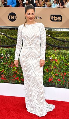 SAG Awards 2016 - Liz Hernandez Red Carpet 2016, Sag Awards, Red Carpet Looks, Celeb Style, Dresses With Sleeves, Celebs, Events, Long Sleeve, Fashion