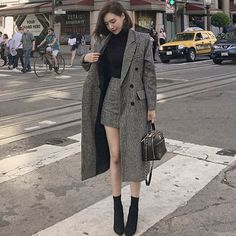 Korean Girl Fashion, Korean Street Fashion, Ulzzang Fashion, Asian Fashion, Hijab Fashion, Fashion Dresses, Winter Fashion Outfits, Suit Fashion, Look Fashion