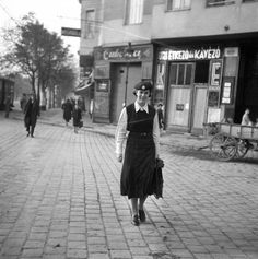 Old Pictures, Old Photos, Vintage Photos, Bors, Utca, Budapest Hungary, Historical Photos, Landscapes, History