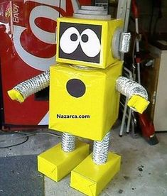 most-beautiful-cardboard-robot-calismalari - layret lavra Craft Projects For Kids, Paper Crafts For Kids, Diy For Kids, Activities For Kids, Paper Robot, Cardboard Robot, Recycled Robot, Recycled Crafts, Valentines For Boys