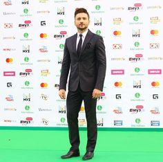 Sergey Lazarev, Muz-TV Awards 2017 Tv Awards, Awards 2017, Sergey Lazarev, Suit Jacket, Breast, Suits, Jackets, Fashion, Down Jackets