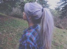 Find images and videos about hair, grunge and purple on We Heart It - the app to get lost in what you love. Lavender Hair, Lilac Hair, Blue Hair, Emo Hair, Anime Hair, Coloured Hair, Dye My Hair, Pretty Hairstyles, Grunge Hairstyles