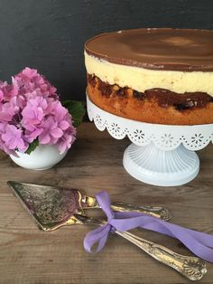 Donauwelle - delicious-addictive - Style and More - All kinds of trendy ideas Cheesecake, Sweet Little Things, Sweet Bakery, Classic Cake, Cookie Do, Baking Recipes, Yummy Treats, Food And Drink, Sweets