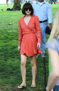 Dakota Johnson - Stars on the Set of 'How To Be Single