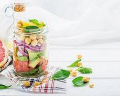 Salade jar au pamplemousse et à l'avocat : http://www.cuisineaz.com/recettes/salade-jar-au-pamplemousse-et-a-l-avocat-82308.aspx