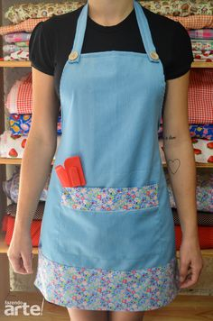 Make this for Marissa's bday Retro Apron Patterns, Easy Sewing Patterns, Sewing Tutorials, Sewing Hacks, Sewing Projects, Jean Apron, Pinafore Apron, Apron Designs, Cute Aprons