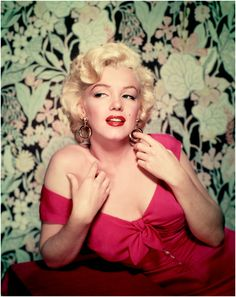 Marilyn Monroe (1926 - 1962), circa 1952. (Photo by Nickolas Muray)