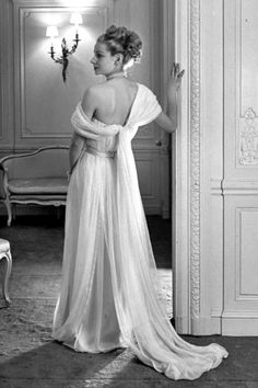 To fête Christian Dior's birthday, we're taking a look back at the way the designer transformed thefashion scenepost-World War II,all th...
