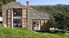 Estate in Extremadura – Country House in Cáceres, Spain by Ábaton Arquitectura Architecture Renovation, Architecture Résidentielle, Barn Renovation, Natural Architecture, Amazing Architecture, Stone Barns, Stone Houses, Stone Cabin, Country Estate