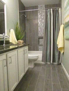 Contemporary Full Bathroom with Simple Granite, Square Raised Panel - Solid (KGM) Cabinet Door by Kraftmaid, Undermount sink