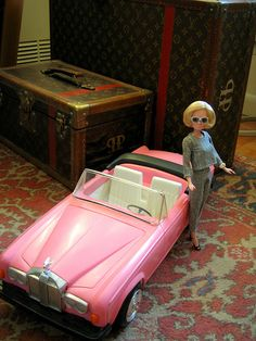 Lady Penelope doll with Fab 1 replica car. Turner Classic Movies, Classic Films, Replica Cars, Thunderbirds Are Go, Amazing Toys, Barbie, Favorite Cartoon Character, Collector Dolls, Doll Stuff