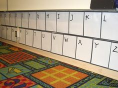 Clutter-Free Classroom: Word Walls - Setting Up the Classroom Series Classroom Walls, Classroom Setup, Classroom Design, Kindergarten Classroom, Classroom Organization, Classroom Management, Classroom Arrangement, Classroom Routines, Montessori Elementary
