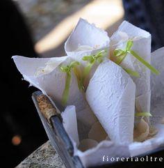 Fioreria Oltre/ Wedding paper cones