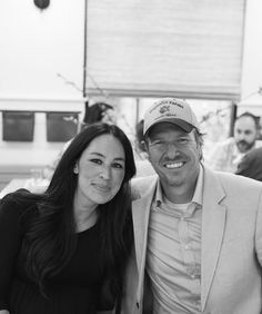 Joanna Gaines Shares Photos of Her Lovely Birthday Surprise Party Gaines Fixer Upper, Fixer Upper Joanna, Magnolia Fixer Upper, Joanna Gaines House, Joanna Gaines Style, Chip And Joanna Gaines, Joanna Gaines Instagram, Fixer Upper Tv Show, The Magnolia Story