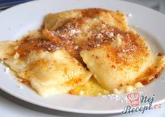 Quark pockets with plum jam Never stress over meal time again thanks in our roundup of quick dinner Pancake Healthy, Best Pancake Recipe, Plum Jam, Czech Recipes, Ethnic Recipes, Vegetable Drinks, Healthy Eating Tips, Quick Easy Meals, Sweet Recipes