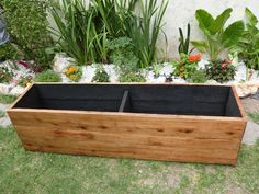 canteros de madera para interior - Buscar con Google Raised Planter, Raised Garden Beds, Wooden Planters, Diy Planters, Garden Planter Boxes, Pallet Patio, Pallet Designs, Home Garden Design, Green Business