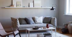 Neutral, modern sitting room scheme, image from Mi Casa Ambiente tonos marrones Jotum Cozy Living Rooms, Home Living Room, Living Spaces, Living Room Inspiration, Interior Inspiration, Style At Home, Salons Cosy, Interior Decorating, Interior Design