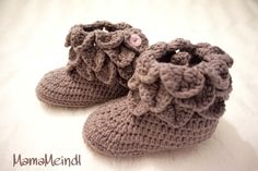 Grey Babyboots - crocodilestitch schuppenmuster Babyshoes for Little Girl Little Girls, Baby Shoes, Slippers, Grey, Kids, Clothes, Fashion, Tutorials, Ash
