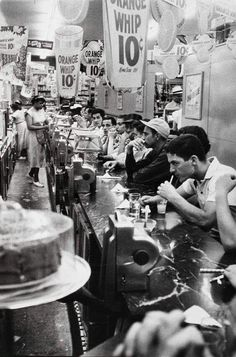 Lunch at a Detroit drugstore 1955