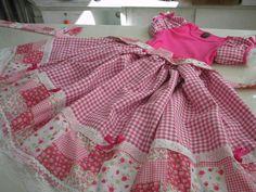 vestido junino - Pesquisa Google Moda Lolita, Baby Frocks Designs, Frock Design, Dog Dresses, Lolita Fashion, Kids Wear, Baby Dress, Gingham, Doll Clothes