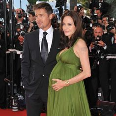 Pin for Later: The Most Glamorous Cannes Film Festival Moments Brad Pitt joined a pregnant Angelina Jolie for the 2008 premiere of Kung Fu Panda in Cannes. Celebrity Pictures, Celebrity News, Celebrity Style, Kung Fu Panda, Brad Pitt And Angelina Jolie, Glamour, Cannes Film Festival, American Actress, Green Dress