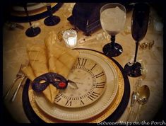 New Year's Tablescapes Table Settings