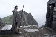 We know that Luke Skywalker went into exile when he was betrayed by Kylo Ren, but what kept him away for so long even when his friends were in trouble? Star Wars: The Last Jedi's Mark Hamill explains. Film Star Wars, Star Wars Art, Star Trek, Luke Skywalker, Mark Hamill, Obi Wan, Star Wars Episode 8, Episode Vii, Saga