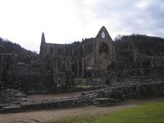 Tintern Abbey - Abaty Tyndyrn