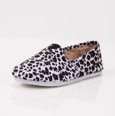Womens Leopard Slip On