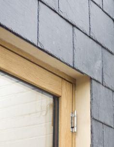 Detalle de enchapado de piedra en casa angosta   Construye Hogar