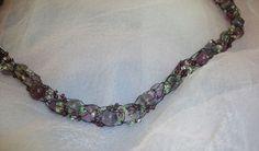 eingefädelt.... Crochet Necklace, Jewelry, Fashion, Knitted Necklace, Beads, Stones, Cast On Knitting, Schmuck, Moda