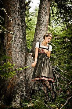 Tradition Autumn Winter 2013/14   Lena Hoschek Presseserver