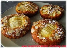 pommes cannelle miel amandes Apple Desserts, Mini Desserts, Apple Recipes, Sweet Recipes, Apple Pie Cake, Cuisine Diverse, Muffins, French Pastries, Culinary Arts