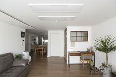 [시공사례] 분당 수내동 푸른마을 신성아파트 / 32평 / 구정 브러쉬골드 애쉬브라운 / 우드 포인트 인테리어 / interior by 공간다시 : 네이버 블로그 Oversized Mirror, Room Decor, Interior, Projects, Furniture, House, Log Projects, Blue Prints, Indoor