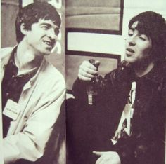 oasis posts - The Musings of Suitcasey Liam Gallagher Noel Gallagher, Oasis Music, Alan White, Oasis Band, Liam And Noel, Britpop, Just Believe, Best Rock, Cool Bands