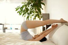 Если порой у вас болят ноги, руки, тянет спину — у вас могут быть серьезные проблемы с суставами. А все потому, что мы совершенно их не разрабатываем. Врачи настоятельно рекомендуют делать специальные упражнения, которые помогут вам разработать каждый сустав и избежать проблем с ними. Эти упражнения можно делать, не вставая с постели.