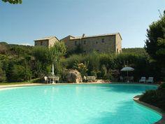 Castello di Petrata. Umbrië, Italië  (http://elizawashere.nl)