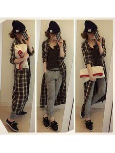 [xxxxxxxx][wear] 今年も流行りそうなタグ付きニット帽。こなれ感のあるオシャレコーデにピッタリ!なんとなくブラックウォッチに配色が似ているシャツワンピですね | (chikaさんのスニーカー「WHO'S WHO gallery 【adidas】RELACE LO…)
