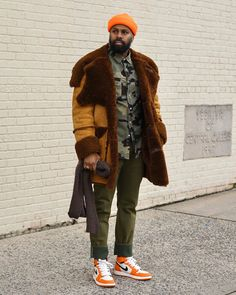 """3,870 mentions J'aime, 94 commentaires - George Myrie (@stuylin) sur Instagram: """"Sometimes you have to question the actions of others and know what they do may be a direct…"""" Black Men Street Fashion, Mens Fashion, Dapper, Hipster, Ralph Lauren, Street Style, Lounge, Instagram, Moda Masculina"""