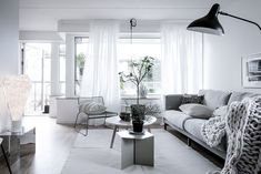 Contemporary living in the heart of Gothenburg | Innsides #interiordesign #blackandwhite