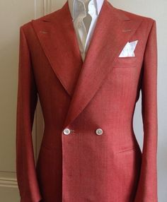 Red DB Summer Jacket with Mother of Pearl Buttons ©Purwin&Radczun Blazer Outfits Men, Mens Fashion Blazer, Suit Fashion, Fashion Guide, Fashion Trends, Bespoke Suit, Bespoke Tailoring, Sharp Dressed Man, Well Dressed Men