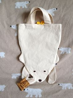 Polar Bear tote bag. Could make it in different colors so brown bear, panda bear, etc.