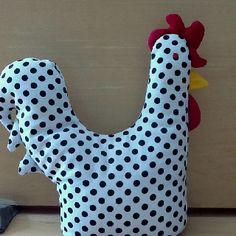 The rooster door stopper, Valentino Door Stopper, Simple Pleasures, Paper Weights, My Room, Polka Dots, Diy Projects, Diy Crafts, Doors, Deco