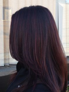 These 17 Caramel Hair Colors Are Trending for 2019 - Style My Hairs Black Hair Dye, Dark Red Hair, Light Brown Hair, Fall Hair Colors, Red Hair Color, Hair Color Balayage, Hair Highlights, Hair Color Caramel, Dye My Hair