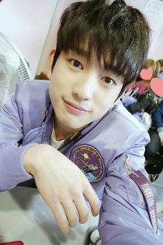 Awwwww his smile. I love his Selfies, he looks more handsome in Selfies . Love you opaa~~ #junior #Jr #got7