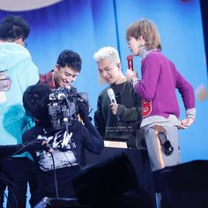 hyungs really love their maknae so much  #HappySeungriDay ❣️ #LASTDANCEinTOKYO Special event 121317 - Seungri's birthday